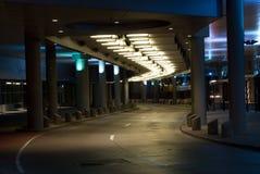 Sottopassaggio della città alla notte Fotografie Stock