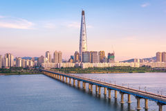 Sottopassaggio di Seoul e orizzonte della città di Seoul, il Sud Corea fotografie stock libere da diritti