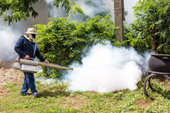 Sottoponga a fumigazione la zanzara a fumigazione a casa per la zanzara della protezione Fotografie Stock