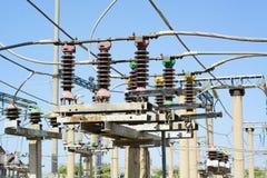 Sottostazione ad alta tensione elettrica Fotografie Stock