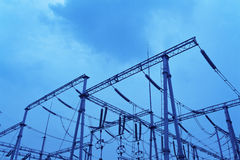 Sottostazione elettrica ad alta tensione Fotografia Stock