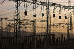 Sottostazione elettrica del trasformatore Fotografia Stock Libera da Diritti