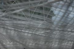 Sou Fujimoto avec une structure de cadre en île de Naoshima images stock