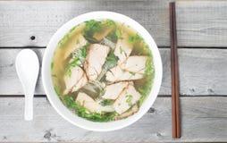 Sou vietnamita del cerdo de los fideos Fotos de archivo