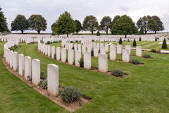 SOUCHEZ, FRANCE/EUROPE - SEPTEMBER 12 : Cabaret Rouge British Ce. Metery in Souchez France on September 12, 2015 royalty free stock images