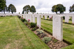 SOUCHEZ, FRANCE/EUROPE - SEPTEMBER 12 : Cabaret Rouge British Ce. Metery in Souchez France on September 12, 2015 stock image