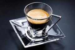 Soucoupe en verre en expresso de café de tasse photo stock