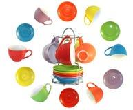 soucoupes multi colorées en cuvettes Images stock