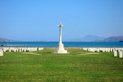 Souda Bay Allied War Cemetery, Crete. View of the Souda Bay Allied War Cemetery with the Aegean sea to the rear, Souda Bay, Crete, Greece, Europe stock images