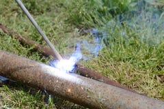 Soudure à l'arc électrique manuelle en métal Image libre de droits