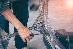 Soudure d'acier inoxydable par procédé de soudure à l'arc électrique photographie stock