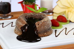 Souffle do chocolate quente imagens de stock