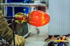 Soufflement en verre, Leerdam, Pays-Bas photos libres de droits