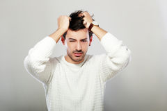 Souffrez du mal de tête photos libres de droits