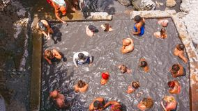 Soufriere, Heilige Lucia - 12 Mei, 2016: Mening van de Aandrijving van de Zwavellentes - in Vulkaan Royalty-vrije Stock Foto
