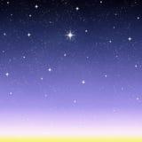 souhaitant à nuit d'étoile le ciel étoilé   Images libres de droits