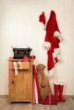 Souhaits de Noël d'écriture avec une machine à écrire antique Vintage Xma Photographie stock