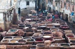 Souk дубильни в Fez, Марокко Стоковые Изображения RF