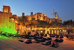 Souk Madinat Jumeirah和Burj Al阿拉伯人,迪拜 免版税库存图片