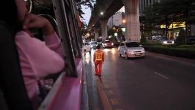 Soukhumvit väg i Bangkok lager videofilmer