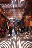 Souks à Marrakech, Maroc Photographie stock libre de droits