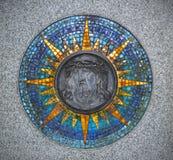 Soulagement de Jesus Christ entouré par l'ornement de mosaïque Photographie stock libre de droits