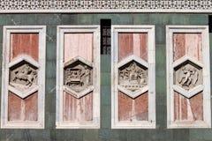 Soulagements sur le campanile de Giotto de Florence Photographie stock