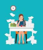 Soulignez la situation sur la femme de travail, surchargée et fatiguée d'affaires Photographie stock libre de droits