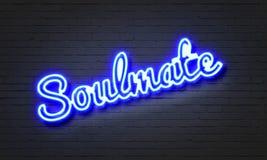 Soulmate neonowy znak na ściana z cegieł tle obrazy royalty free