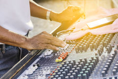 Free Sound Engineer Working With Sound Mixer Royalty Free Stock Images - 89239169