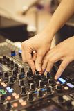 Soundman στον ακουστικό πίνακα Στοκ φωτογραφία με δικαίωμα ελεύθερης χρήσης