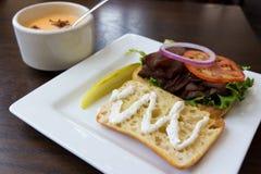 soup för nötköttsteksmörgås Arkivbilder