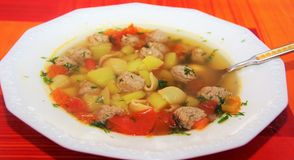 Soup with meatballs and pasta Royalty Free Stock Images