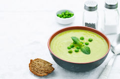 Soup puree of green peas Royalty Free Stock Images