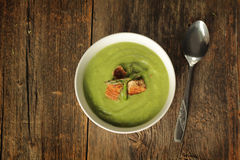 Soupe à asperge avec la cuillère Images libres de droits