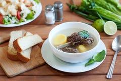 Soupe à boeuf avec des légumes Image stock