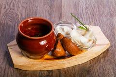 soupe à borsht avec de la graisse de porc Photo stock