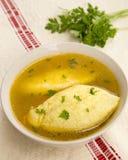 Soupe à boulettes de poulet Photos libres de droits