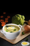 Soupe à brocoli avec l'oeuf Photo libre de droits