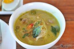 Soupe à cari avec des fruits de mer Photos stock