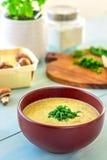 Soupe à champignons crémeuse, verticale Photographie stock