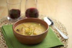 Soupe à chou-fleur avec la cuillère Images libres de droits