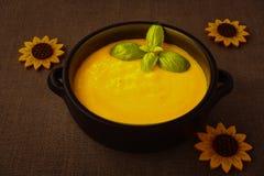 Soupe à courge de Butternut, lumière mystique Photos libres de droits