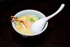 Soupe à jambes de crabe japonais Photo stock