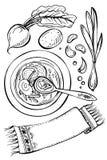 Soupe à la betterave avec les ingrédients et la serviette Image stock