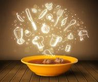 Soupe à la maison à cuisinier avec les icônes blanches tirées par la main Image stock