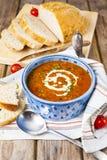 Soupe à lentille et à tomate image libre de droits