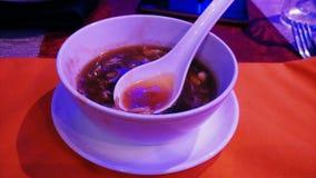 Soupe à Manchow à son meilleur quand it& x27 ; extérieur froid de tremblement de s photos stock