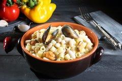 soupe à moules avec le haricot et les pâtes Photo stock
