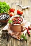 Soupe à piment avec les haricots rouges et les verts Photographie stock